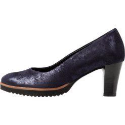 Gabor WIDE FIT Czółenka na platformie atlantik. Niebieskie buty ślubne damskie Gabor, z materiału, na platformie. Za 499,00 zł.