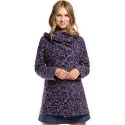 Płaszcz damski 86-9W-112-7. Fioletowe płaszcze damskie marki Wittchen, w kolorowe wzory, z dzianiny. Za 359,00 zł.