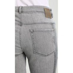 Betty & Co Jeansy Slim Fit grey denim. Szare jeansy damskie Betty & Co, z bawełny. Za 449,00 zł.