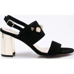CheBello - Sandały. Czarne sandały damskie na słupku CheBello, z materiału. W wyprzedaży za 199,90 zł.