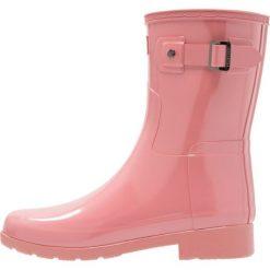 Hunter ORIGINAL REFINED SHORT GLOSS Kalosze pale rose. Fioletowe buty zimowe damskie Hunter, z kauczuku. W wyprzedaży za 398,30 zł.