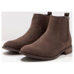 New Look CLASSIC CHELSEA  Botki dark brown. Czarne botki męskie marki New Look, z materiału, na obcasie. Za 139,00 zł.