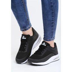 Czarne Buty Sportowe Soft Day. Czarne buty sportowe damskie marki DOMYOS, z bawełny. Za 99,99 zł.