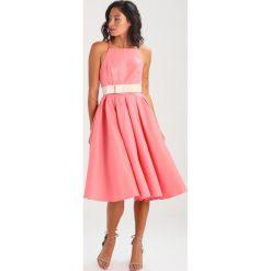 Sukienki: Chi Chi London Petite EKATERINA Sukienka koktajlowa coral