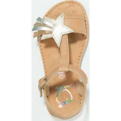 Shoo Pom HAPPY SALOME STAR Sandały camel/multicolor. Brązowe sandały chłopięce Shoo Pom, z materiału. Za 279,00 zł.