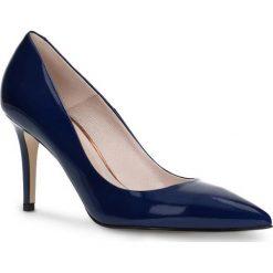 Czółenka SAVONA. Niebieskie buty ślubne damskie Gino Rossi, z lakierowanej skóry, ze szpiczastym noskiem, na wysokim obcasie, na szpilce. Za 299,90 zł.