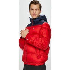 Tommy Jeans - Kurtka. Czerwone kurtki męskie bomber Tommy Jeans, l, z jeansu, z kapturem. Za 799,90 zł.