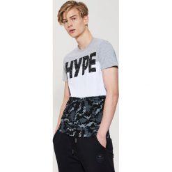 T-shirty męskie: T-shirt z dużym napisem – Czarny