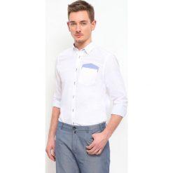 KOSZULA DŁUGI RĘKAW MĘSKA. Szare koszule męskie marki Top Secret, m, z klasycznym kołnierzykiem, z długim rękawem. Za 49,99 zł.