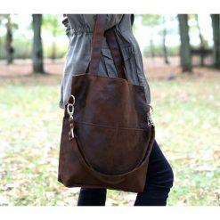 Brązowa zamszowa torba do pracy (zamsz eko). Brązowe torebki klasyczne damskie Pakamera, z zamszu, zamszowe. Za 179,00 zł.