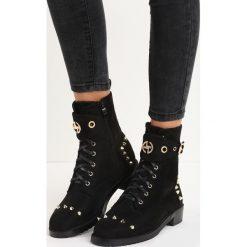 Czarne Botki Mysterio. Czarne buty zimowe damskie Born2be, z materiału, na niskim obcasie. Za 94,99 zł.