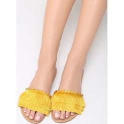 Żółte Klapki Peach Puff. Żółte klapki damskie marki Kazar, ze skóry, na wysokim obcasie, na obcasie. Za 69,99 zł.