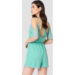 Oh My Love Kombinezon z wycięciami na ramionach - Green,Turquoise. Zielone sukienki hiszpanki Oh My Love, z poliesteru, dekolt w kształcie v. W wyprzedaży za 78,89 zł.