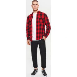 Chinosy męskie: Materiałowe spodnie chino z kolekcji basic – Czarny