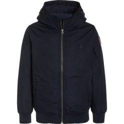 Element DULCEY BOY Kurtka zimowa eclipse navy. Niebieskie kurtki chłopięce zimowe marki Retour Jeans, z bawełny. W wyprzedaży za 368,10 zł.