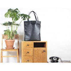 Mega shopper torba czarna na zamek. Czarne shopper bag damskie Pakamera. Za 170,00 zł.