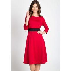 Sukienki: Czerwona rozkloszowana sukienka  QUIOSQUE