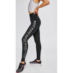 Nike Sportswear - Legginsy. Szare legginsy we wzory Nike Sportswear, m, z bawełny. W wyprzedaży za 139,90 zł.