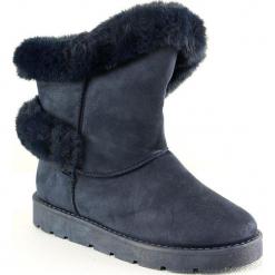 Kozaki zimowe w kolorze niebieskim. Szare buty zimowe damskie marki Marco Tozzi. W wyprzedaży za 113,95 zł.