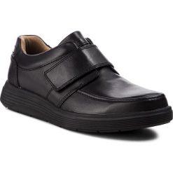 Półbuty CLARKS - Un Abode Strap 261369867  Black Leather. Czarne derby męskie Clarks, z materiału. Za 459,00 zł.