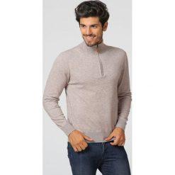 Swetry męskie: Sweter w kolorze szarobrązowym