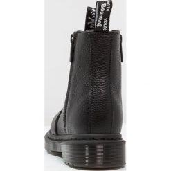 Dr. Martens 2976 W/ZIPS CHELSEA BOOT Botki black. Czarne botki damskie skórzane Dr. Martens, klasyczne. Za 719,00 zł.