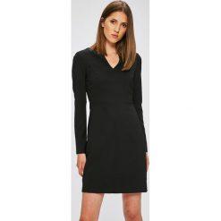 Długie sukienki: Trendyol - Sukienka