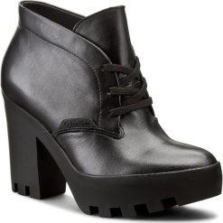 Botki CALVIN KLEIN JEANS - Stevie RE9619 Black. Czarne botki damskie skórzane Calvin Klein Jeans. W wyprzedaży za 379,00 zł.