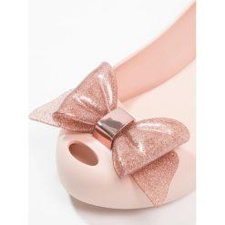 Melissa KIDS ULTRAGIRL SWEET BOW Baleriny blush glitter. Czerwone baleriny damskie Melissa, z materiału. Za 279,00 zł.