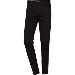 Emporio Armani Jeans Skinny Fit nero. Szare rurki męskie marki Emporio Armani, l, z bawełny, z kapturem. Za 719,00 zł.