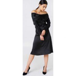 Sukienki: NA-KD Party Sukienka z odkrytymi ramionami – Black