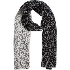 Szal CALVIN KLEIN - Ck Knitted Scarf W K60K604721 101. Białe szaliki damskie marki Calvin Klein, z bawełny. Za 279,00 zł.