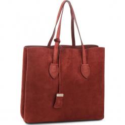 Torebka COCCINELLE - CH6 Celene Suede E1 CH6 11 01 01 Bourgogne/Bourg R00. Czerwone torebki klasyczne damskie Coccinelle, ze skóry. W wyprzedaży za 979,00 zł.