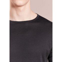 John Smedley BELDEN Tshirt basic grey. Szare t-shirty męskie John Smedley, m, z bawełny. W wyprzedaży za 365,40 zł.