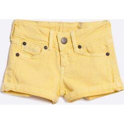 Pepe Jeans - Szorty. Pomarańczowe szorty jeansowe damskie marki Pepe Jeans, casualowe. W wyprzedaży za 79,90 zł.