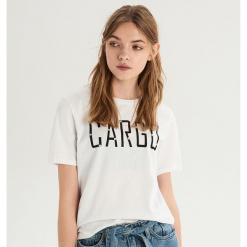 T-shirt z aplikacją z kryształków - Biały. Białe t-shirty damskie Sinsay, l, z aplikacjami. Za 24,99 zł.