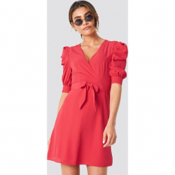 Trendyol Sukienka midi z bufiastym rękawem - Red. Szare sukienki mini marki Trendyol, na co dzień, z elastanu, casualowe, dopasowane. Za 141,95 zł.