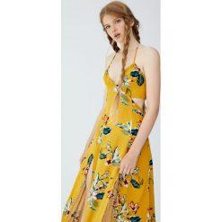 Długa sukienka z wycięciami po bokach. Brązowe długie sukienki Pull&Bear, z długim rękawem. Za 139,00 zł.
