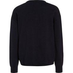 Bench STARRY Sweter essentially navy. Niebieskie swetry chłopięce Bench, z bawełny. W wyprzedaży za 126,75 zł.