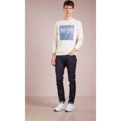 BOSS CASUAL WEDFORD Bluza white. Białe bluzy męskie BOSS Casual, m, z bawełny. Za 539,00 zł.