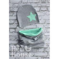 Komplet Star czapka + komin. Szare czapeczki niemowlęce Pakamera, z aplikacjami, z dzianiny. Za 65,00 zł.