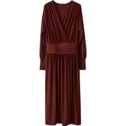 Długie sukienki: Sukienka kopertowa z paskiem w talii