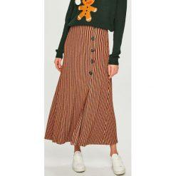 Answear - Spódnica. Brązowe spódniczki dzianinowe marki ANSWEAR, uniwersalny, midi, rozkloszowane. Za 119,90 zł.