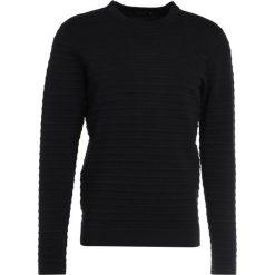 Swetry klasyczne męskie: J.LINDEBERG JUDE STRUCTURE STRIPE Sweter black
