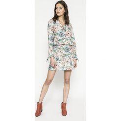 Answear - Sukienka Garden of Dreams. Szare długie sukienki ANSWEAR, na co dzień, l, z elastanu, casualowe, z długim rękawem. W wyprzedaży za 89,90 zł.