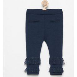 Spodnie niemowlęce: Spodnie z tiulowymi falbanki – Granatowy