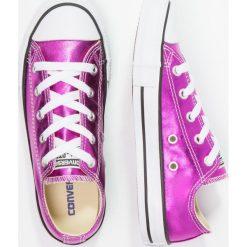 Converse CHUCK TAYLOR ALL STAR SEASONAL METALLICS OX Tenisówki i Trampki lilac. Czerwone trampki dziewczęce marki Converse, z materiału, klasyczne. W wyprzedaży za 146,30 zł.