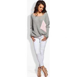 Sweter oversize z kieszenią jasnoszary-pudrowy róż MIRANDA. Szare swetry oversize damskie Lemoniade. Za 99,00 zł.