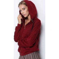 Bordowa Bluza Greenland. Czerwone bluzy rozpinane damskie Born2be, l, ze splotem. Za 24,99 zł.