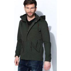 Ciemnozielona Kurtka Windy Type. Czarne kurtki męskie marki Born2be, l, z aplikacjami, z dresówki. Za 144,99 zł.